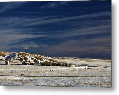 Farm At Bottom Of Hill In Winter Metal Print by Roberta Murray
