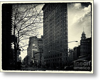 Flat Iron Building Fifth Avenue And Broadway Metal Print by Sabine Jacobs