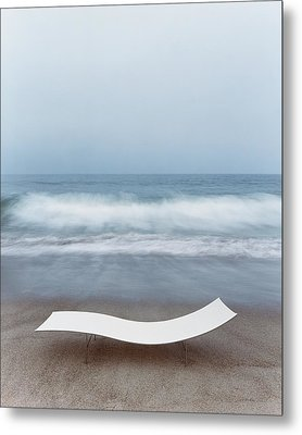 Flexy Batyline Mesh Curve Chaise On Malibu Beach Metal Print by Simon Watson