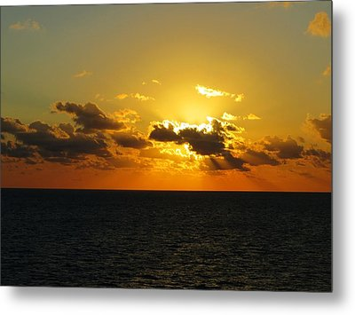 Metal Print featuring the photograph Golden Rays Sunset by Jennifer Wheatley Wolf