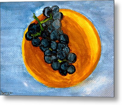 Grapes In Bowl Metal Print