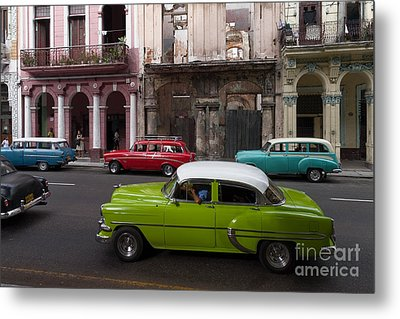 Metal Print featuring the photograph Havanna Traffic by Juergen Klust