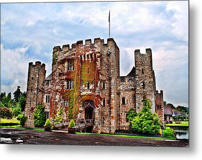 Hever Castle Metal Print by Chris Thaxter