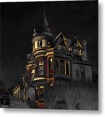 House On The Hill Metal Print by Liane Wright