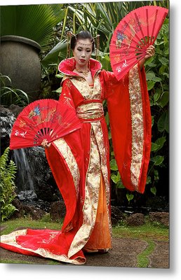 Japanese Lady With Fan Metal Print by Bonita Hensley