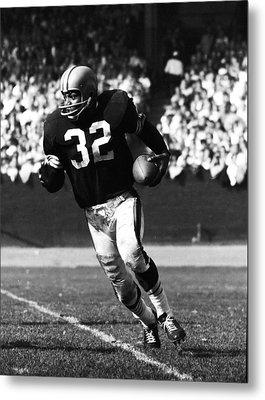 Jim Brown Running Down Field Metal Print