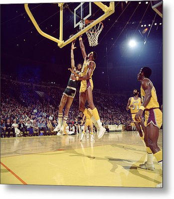 Kareem Abdul Jabbar Hook Metal Print by Retro Images Archive