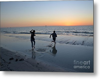 Metal Print featuring the photograph Kids At The Beach by Robert Meanor