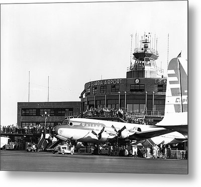 Laguardia Airport In Queens Metal Print by Underwood Archives