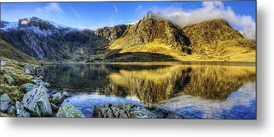 Lake Idwal Panorama Metal Print by Ian Mitchell