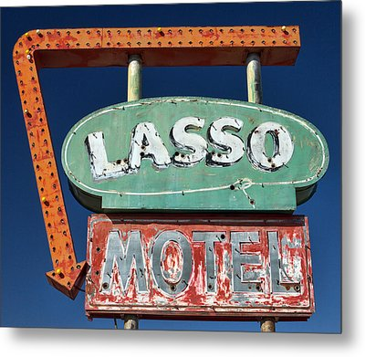 Lasso Motel Sign On Route 66 Metal Print by Carol Leigh
