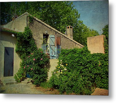 Lourmarin Cottage Metal Print by Carla Parris