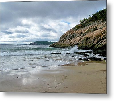 Metal Print featuring the photograph Maine's Sand Beach by Gene Cyr