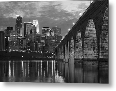 Minneapolis Stone Arch Bridge Bw Metal Print