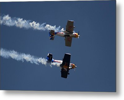 Metal Print featuring the photograph Mirror Flight by Ramabhadran Thirupattur