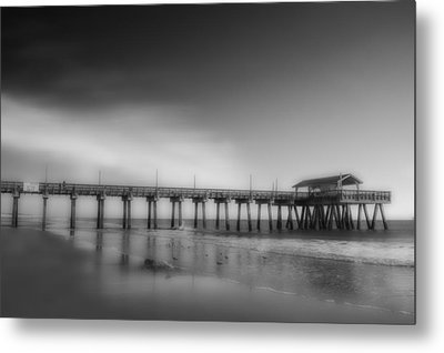 Metal Print featuring the photograph Morning At Tybee Island Pier by Frank Bright