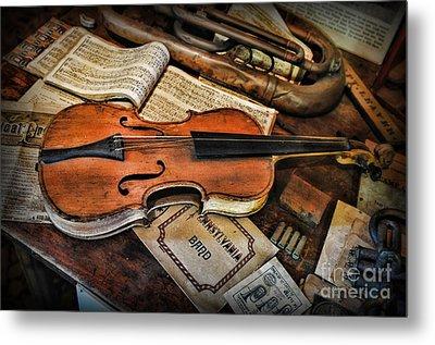 Music - The Violin Metal Print by Paul Ward