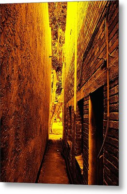 Narrow Way To The Light Metal Print by Glenn McCarthy Art and Photography