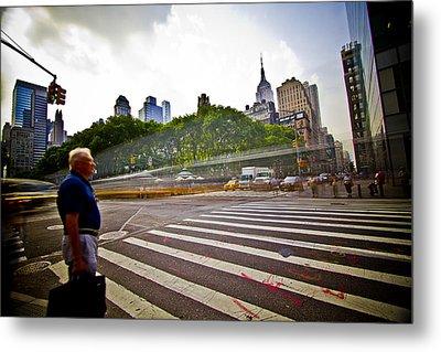 New York - Waiting... Metal Print by Amador Esquiu Marques