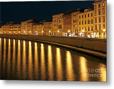 Night View Of River Arno Bank In Pisa Metal Print by Kiril Stanchev