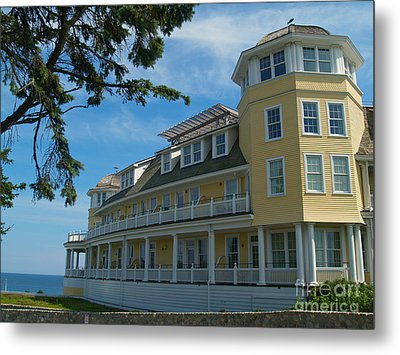 Ocean House Side View - Watch Hill Metal Print by Anna Lisa Yoder