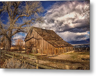 Old Barn In Franktown Metal Print by Janis Knight