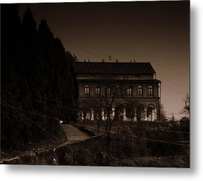 Old Mansion Metal Print by Salman Ravish