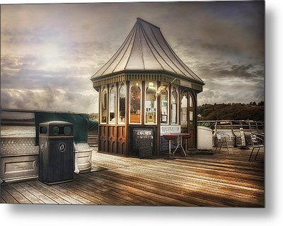 Old Pier Shop Metal Print by Ian Mitchell