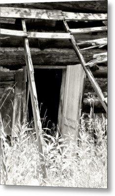 Old Tobacco Barn Metal Print by Michael Allen