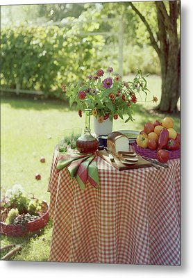 Outdoor Lunch In The Shade Of A Tree Metal Print