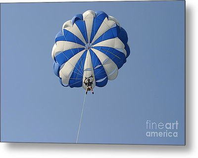 Para-sail Metal Print by D Wallace