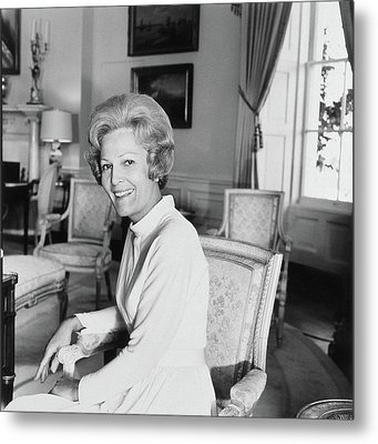 Pat Nixon In The White House Metal Print by Horst P. Horst