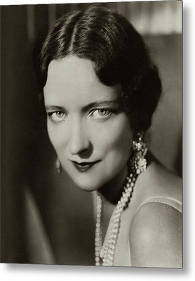 Peggy Wood Wearing A Pearl Necklace Metal Print