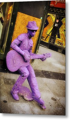 Play The Music - Madrid Metal Print by Mary Machare