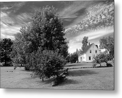 Metal Print featuring the photograph Prince Edward Island Home by Jim Vance
