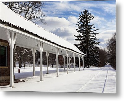Rail Stop Metal Print by Peter Chilelli