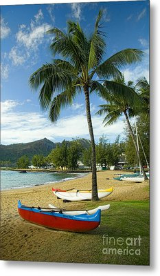 Red Outrigger Canoe In Kauai Metal Print by David Smith