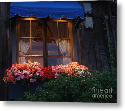 Metal Print featuring the photograph Ristorante by Bev Conover