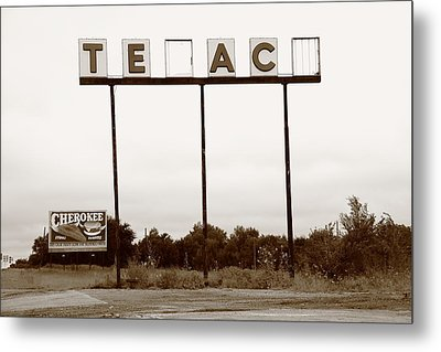 Route 66 - Abandoned Texaco Station Metal Print by Frank Romeo