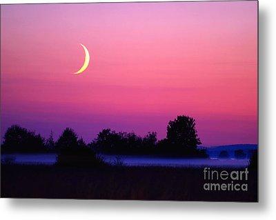 Setting Crescent Moon At Dusk Metal Print by Douglas Taylor