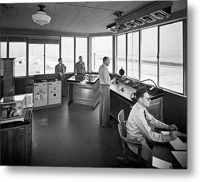 Sfo Control Tower Metal Print by Underwood Archives