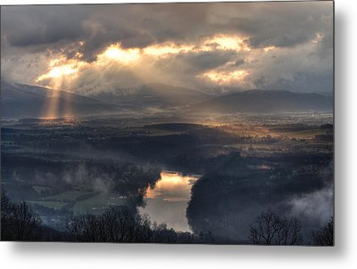 Shenandoah Light Metal Print by Lara Ellis