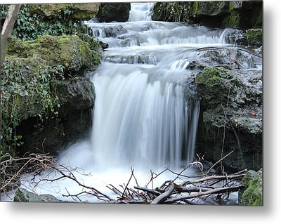 Slinky Waterfall Metal Print by Theresa Selley