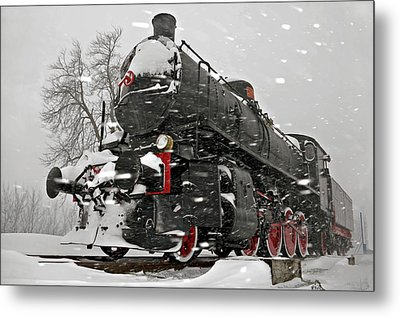 Metal Print featuring the photograph Snowsteam by Graham Hawcroft pixsellpix