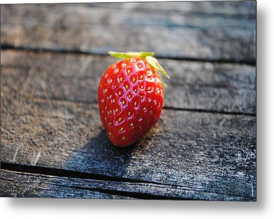 Metal Print featuring the photograph Strawberry On Plank by Robert  Moss