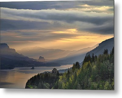 Sunrise At Crown Point Metal Print by David Gn
