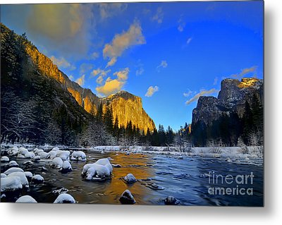Sunrise Yosemite Valley Metal Print by Peter Dang