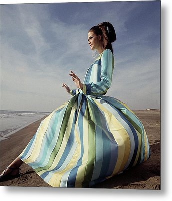 Susan Murray Posing On A Beach Metal Print by Henry Clarke