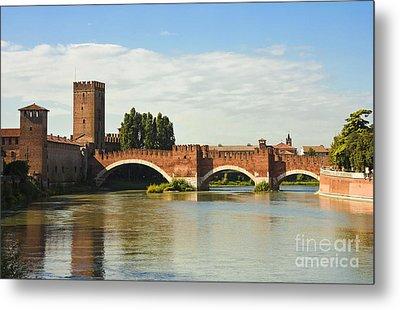 The Castelvecchio Bridge In Verona Metal Print by Kiril Stanchev