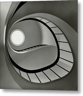 The Staircase In Mr. And Mrs. Albert Metal Print by Fred Lyon
